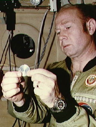Alexei Leonov w/Commemorative Coin
